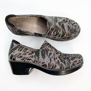 Naturalizer Womens Size 7.5 Freeda Nurse Clog Shoe